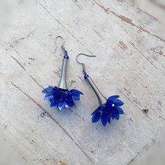 js-bizu / modrá kytička