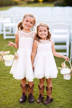 OH FLOWER GIRLS! I would want my flower girls to wear a simple little white lace dress with there cowgirl boots. Flower Girl Dresses Country, Lace Flower Girls, Lace Flowers, Girls Dresses, Prom Dresses, Evening Dresses, Country Bridesmaid Dresses, Dresses 2016, Simple Flower Girl Dresses
