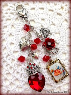 Design your own photo charms compatible with your pandora bracelets. Queen of Hearts Alice in Wonderland Red Filofax Planner Purse Charm Erin Condren Beaded Jewelry, Handmade Jewelry, Unique Jewelry, Queen Of Hearts Alice, Jewelry Crafts, Jewelery, Jewelry Design, Jewelry Making, Purses