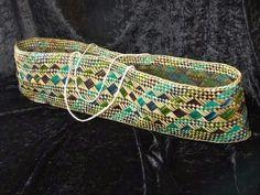 Kete Whakairo (E Tipu Ana Raranga Weaving Facebook Page) Flax Weaving, Basket Weaving, Maori Patterns, Long White Cloud, Maori Designs, Woven Baskets, Maori Art, Surface Pattern Design, Arts And Crafts