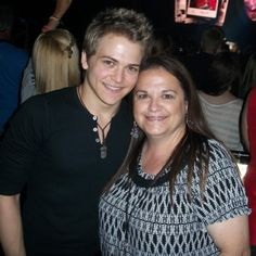 30 days of Hunter Hayes Day 5 : pic of Hunter and his Mom