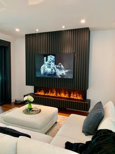 Fireplace Feature Wall, Feature Wall Living Room, Living Room Tv, Living Room With Fireplace, Fireplace Design, Fireplace Tv Wall, Basement Fireplace, Fireplace Ideas, Living Area