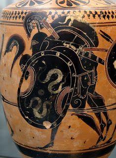 Ajax carries off the body of Achilles: Attic black-figure lekythos, ca. 510 BC, from Sicily (Staatliche Antikensammlungen, Munich) (The Iliad) Ancient Greek Art, Ancient Greece, Ancient History, Vase Transparent, Mycenaean, Minoan, Art Nouveau, Trojan War, Trojan Horse