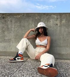 Street Style Outfits, Mode Outfits, Street Style Women, Girl Outfits, Fashion Outfits, School Outfits, Street Girl, 90s Hip Hop Outfits, Korean Fashion Summer Street Styles
