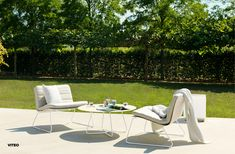 The Slim Loung Chair by is the perfect addition to your outdoor space. We love how sleek, modern and laidback the design… Outdoor Spaces, Outdoor Decor, Corian, Sun Lounger, Modern, Outdoor Furniture Sets, Chair, Elegant, Garden