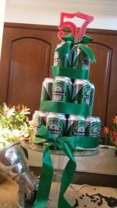 bolo de latas de Heineken para festa boteco feijoada !! tuty festas