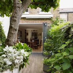 How+to+design+a+small+city+garden+in+style