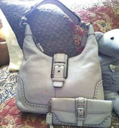 Hampton Pebble Leather Hobo/Duffle #5054 W/Wristlet. Starting at $50 on Tophatter.com!