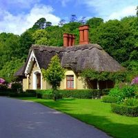 Cottages Houses:  English cottage.