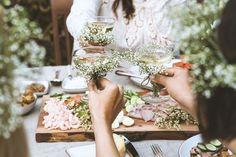 A Midsummer Celebration by HonestlyYUM + Spotted SF | honestlyyum.com @honestlyyum #midsummer #picnic