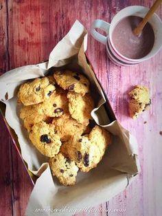 """A délutáni """"éhen halok"""" állapotra:csokis áfonyás keksz fehér cukor nélkül."""