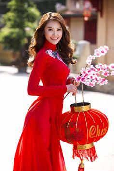 Mê mẩn với Ngọc Trinh, Linh Chi trong áo dài xuân - ảnh 4