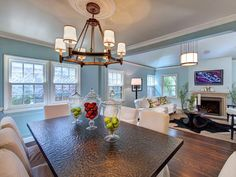 Traditional Dining Rooms from Linda Woodrum : Designers' Portfolio 2310 : Home & Garden Television