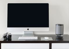 The Flexson Desk Stand for the SONOS PLAY:1. This beautifully styled solution doesn't mean sacrificing space, either: the stand has the same footprint as the speaker.