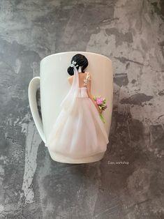 Cute Polymer Clay, Polymer Clay Crafts, Diy Clay, Polymer Clay Jewelry, Polymer Clay Sculptures, Sculpture Clay, Engagement Mugs, Mug Crafts, Wedding Mugs