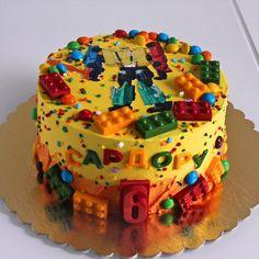 134 отметок «Нравится», 3 комментариев — Ирина Вендик (@irina.vendik) в Instagram: «Ещё один детский малыш . Тортик с пряничными топперами на детский день рождения . Вес тортика 3 кг…» Birthday Cake, Cakes, Desserts, Food, Cake Ideas, Dessert Ideas, Tailgate Desserts, Deserts, Cake Makers