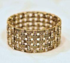 Basket weave from Premier Jewelry Find this at www.facebook.com/jewelryfashionpartiesjennifersanchez. Message me to order!