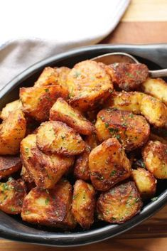 Health ideas The Best Crispy Roast Potatoes Ever Recipe - All About Health Food Recipes - All. The Best Crispy Roast Potatoes Ever Recipe - All About Health Food Recipes - All About Health Food Recipes Crispy Roast Potatoes, Parmesan Roasted Potatoes, Potatoes On The Grill, Rosemary Potatoes, Best Fried Potatoes, Crispy Breakfast Potatoes, Fried Potatoes Recipe, Best Potatoes For Roasting, Potatoes In Crock Pot