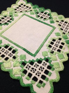 Swedish Tablecloth with Hardanger embroidered linen in green and white. Very well made, according to scandinavian tradition. Made in Sweden. 18 x 18 cm / 7 x 7 Thank you for looking Hardanger Embroidery, Paper Embroidery, Learn Embroidery, Floral Embroidery, Embroidery Patterns, Retro Fabric, Vintage Fabrics, Rangoli Designs, Mid Century Modern Fabric