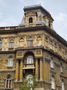 Budapest - Palazzo in Andrassy Utca (by glemonz7)
