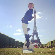 Jumping Paris Eiffel
