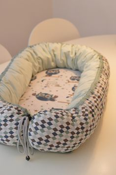 Babynest pattern. Instructions in English.
