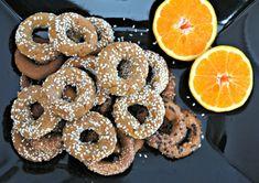 τραγανά κουλουράκια με ελαιόλαδο και πορτοκάλι Doughnut, Cookies, Desserts, Tarts, Food, Crack Crackers, Tailgate Desserts, Mince Pies, Deserts