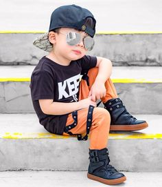 When you tried to look COOL but ended up looking CUTE instead 😜😎😋✌🏼 Cute Baby Boy, Cute Little Baby, Cute Boys, Cute Babies, Stylish Little Boys, Stylish Baby, Stylish Kids, Little Boy Fashion, Kids Fashion Boy