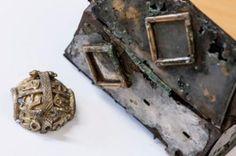 Fund fra vikingegrav i Grytten  - På et af deres utallige plyndringstogter snuppede vikingerne en lille guldskat med hjem og lagde den i graven hos en af deres egne. På den måde reddede de en ekstremt vigtig arkæologisk brik for eftertiden.