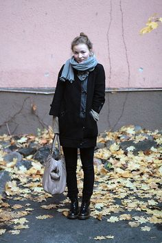 Wool Scarf, H Trend Coat, Leather Bag, Nudie Jeans Skinny Jeans