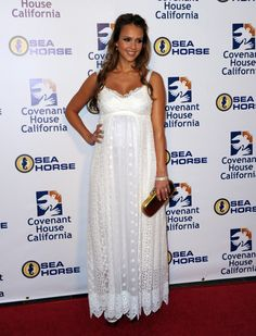 Jessica Alba Maxes Out Eyelet; Shop One For Yourself Pregnant Jessica Alba in White Dolce and Gabbana Maxi Dress Spring Maternity, Maternity Wear, Maternity Fashion, Maternity Dresses, Maxi Dresses, Maternity Shops, Maternity Style, Shower Outfits, Baby Shower Dresses