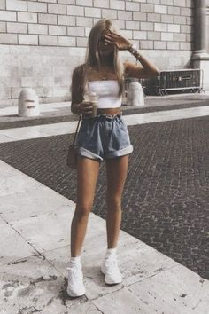 Catchy Summer Outfits To Impress Everyone - Summer Outfits - Summer Dress Outfits Sexy Outfits, Stylish Summer Outfits, Hipster Outfits, Teen Fashion Outfits, Mode Outfits, Short Outfits, Outfits For Teens, Spring Outfits, Trendy Outfits