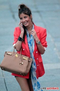 Love everything about this outfit; the blazer, the scarf, the Birkin and of course, the rolex submariner