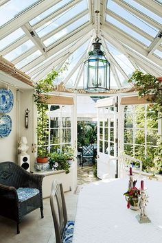 télikert rattan bútorral the London home of Lady Wakefield, the Marston & Langinger conservatory with rattan Furniture Greenhouse Interiors, Garden Room, Home And Garden, Decor Design, Conservatory Design, Glass House, Outdoor Spaces, House, Winter Garden