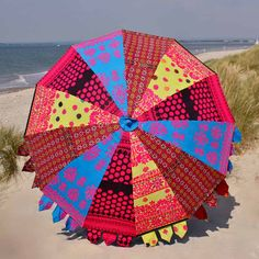 Indian Parasol - Embroidered Indian Parasol #indianparasol #parasol #indianumbrella #indiangardenparasol #indiansummer #rajasthan #kasakosa #beachumbrella