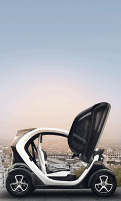 City travel with the new innovation from Renault: the Twizy.