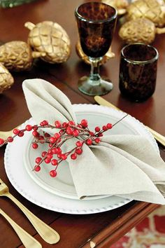 I like the berry napkin ring and the gold accents.
