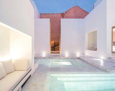 Sala Ayutthaya Hotel, Thailand - Relax at the pool &. Ideas De Piscina, Piscina Spa, Beautiful Pools, World's Most Beautiful, Patio Interior, Interior Design, Piscina Interior, Tadao Ando, Pool Landscaping