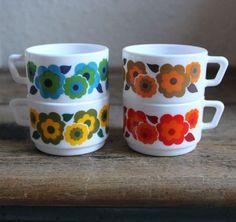 "4 espresso cups vintage ""Lotus"" Arcopal France"