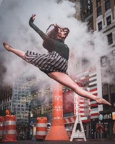 Silken Kelly's dance performance in New York City. Urban ballet dancers photographed by Omar Z. Robles.