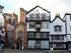 Krásná budova v Exeteru