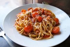 špagety s paradajkovou omáčkou Main Meals, Pasta Recipes, Healthy Recipes, Healthy Food, Spaghetti, Ethnic Recipes, Healthy Foods, Healthy Eating Recipes, Healthy Eating