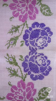 Cross Stitch For Kids, Cross Stitch Rose, Cross Stitch Borders, Cross Stitch Flowers, Counted Cross Stitch Patterns, Cross Stitch Designs, Cross Stitching, Beaded Embroidery, Embroidery Stitches