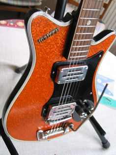 meazzi_orange2 Gear Art, Stevie Ray, Vintage Guitars, Electric Guitars, Cool Guitar, Musical Instruments, Drums, Musicals, Play