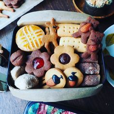 Cookie Box, Cookie Gifts, Homemade Sushi, Cookie Packaging, Biscuit Cookies, Junk Food, Gingerbread, Cake Recipes, Sweets