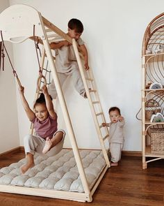 Playground for home and yard Climbing triangle Baby gym Indoor Toddler Gym, Indoor Jungle Gym, Toddler Jungle Gym, Toddler Bed, Outdoor Play Gym, Kids Room Design, Playroom Design, Boy Room, Kids Playing