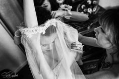 Bride getting ready at Bucharest Grand Hotel Continental  Pregatiri mireasa la Grand Hotel continental Bucuresti