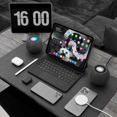 Computer Desk Setup, Gaming Room Setup, Home Office Setup, Home Office Design, Game Room Design, Workspace Design, Best Laptops, Iphone Accessories, Cool Things To Buy