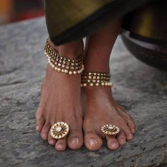 Indian Jewelry Sets, Indian Wedding Jewelry, Indian Bridal, Bridal Bangles, Bridal Jewelry, Toe Ring Designs, Anklet Designs, Silver Payal, Silver Anklets