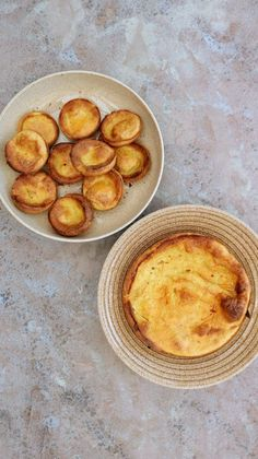 Slimming World Syn Free Yorkshire Puddings - Tastefully Vikkie Slimming World Yorkshire Pudding, Slimming World Puddings, Slimming World Treats, Slimming World Free, Slimming World Dinners, Slimming World Recipes Syn Free, Slimming Eats, Yorkshire Pudding Cake, Yorkshire Pudding Recipes